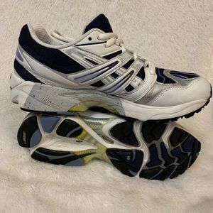 Asics Shoes - A s i c s Gel-Kayano Womens sneakers size 8